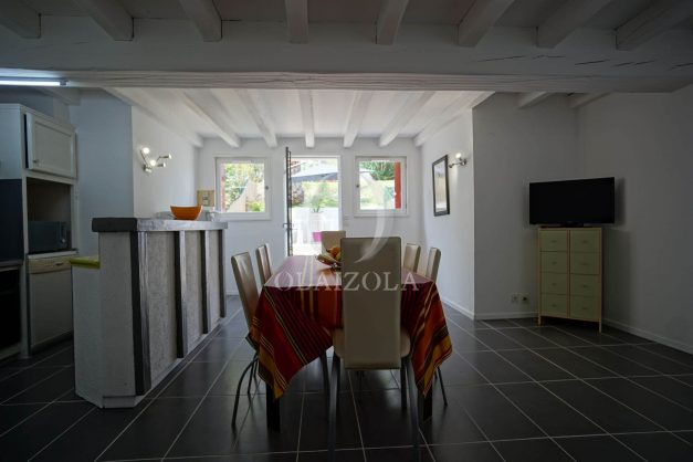 location-vacances-saint-jean-de-luz-appartement-2-chambres-terrasse-barbecue-parking-plage-acotz-lafitenia-surf-014