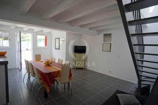 location-vacances-saint-jean-de-luz-appartement-2-chambres-terrasse-barbecue-parking-plage-acotz-lafitenia-surf-015