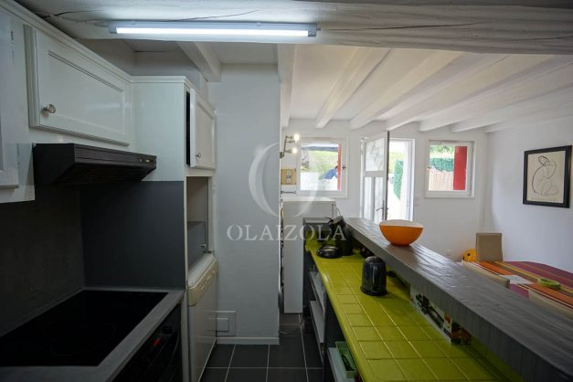 location-vacances-saint-jean-de-luz-appartement-2-chambres-terrasse-barbecue-parking-plage-acotz-lafitenia-surf-018