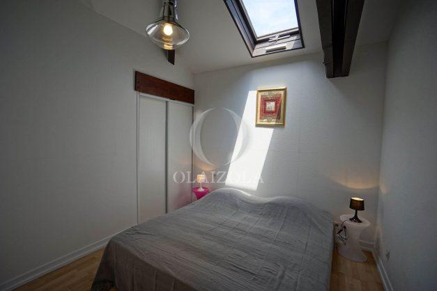 location-vacances-saint-jean-de-luz-appartement-2-chambres-terrasse-barbecue-parking-plage-acotz-lafitenia-surf-022
