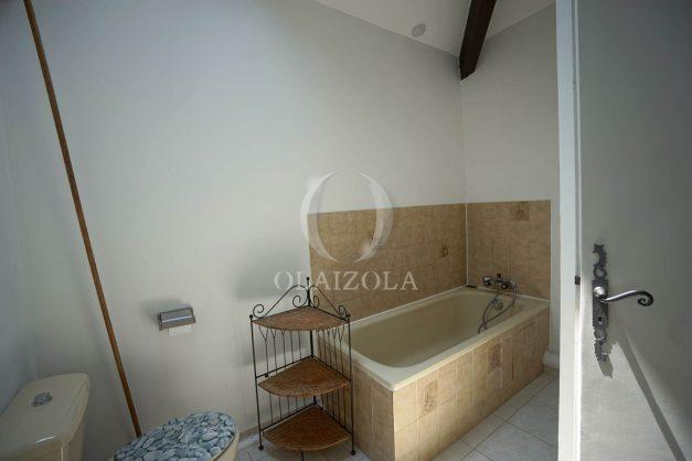location-vacances-saint-jean-de-luz-appartement-2-chambres-terrasse-barbecue-parking-plage-acotz-lafitenia-surf-025