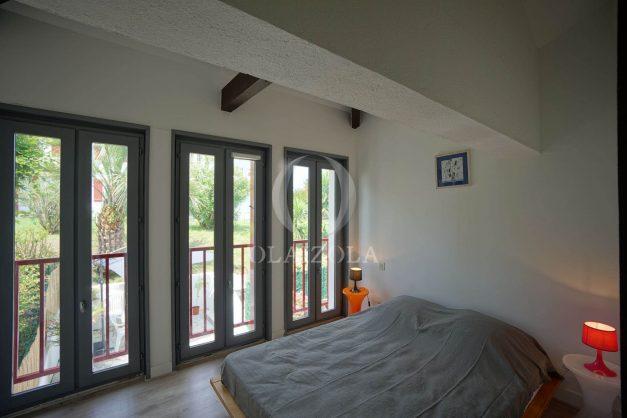 location-vacances-saint-jean-de-luz-appartement-2-chambres-terrasse-barbecue-parking-plage-acotz-lafitenia-surf-026