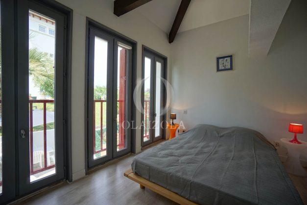 location-vacances-saint-jean-de-luz-appartement-2-chambres-terrasse-barbecue-parking-plage-acotz-lafitenia-surf-027