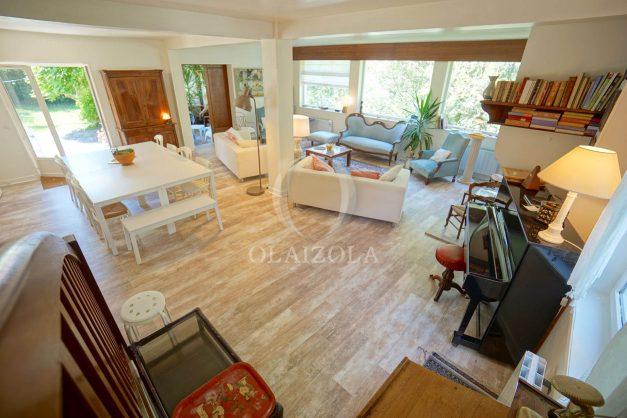 location-vacances-villa-8-pièces-bidart-jardin-terrasse-calme-proche-plage-012
