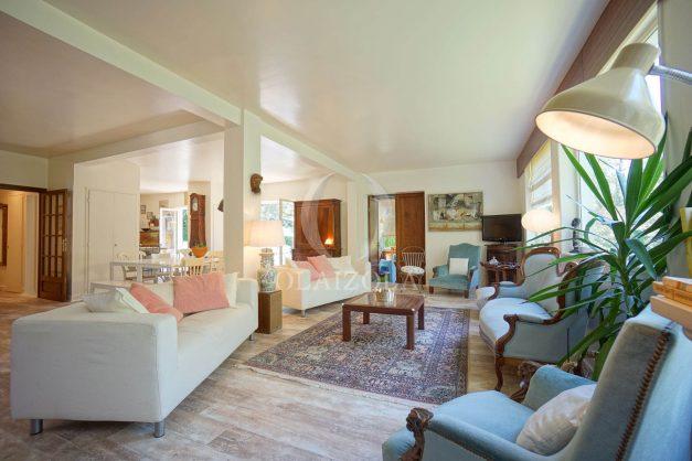 location-vacances-villa-8-pièces-bidart-jardin-terrasse-calme-proche-plage-014