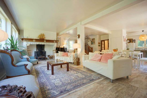 location-vacances-villa-8-pièces-bidart-jardin-terrasse-calme-proche-plage-015