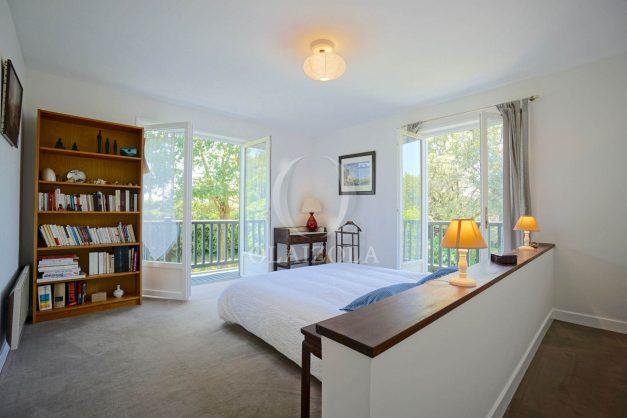 location-vacances-villa-8-pièces-bidart-jardin-terrasse-calme-proche-plage-021