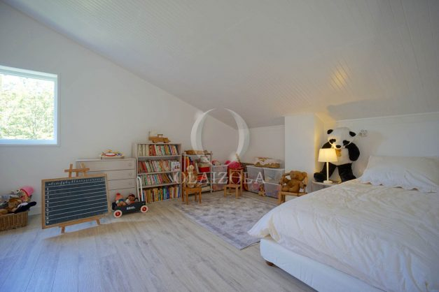 location-vacances-villa-8-pièces-bidart-jardin-terrasse-calme-proche-plage-039