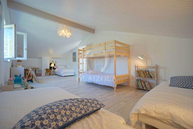 location-vacances-villa-8-pièces-bidart-jardin-terrasse-calme-proche-plage-041