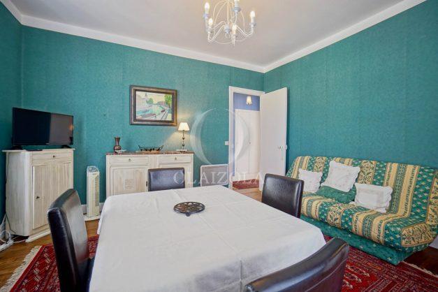 location-vacances-biarritz-appartement-ancien-plein-coeur-de-ville-port-vieux-chapeau-rouge-003
