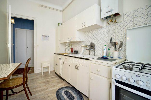 location-vacances-biarritz-appartement-ancien-plein-coeur-de-ville-port-vieux-chapeau-rouge-007