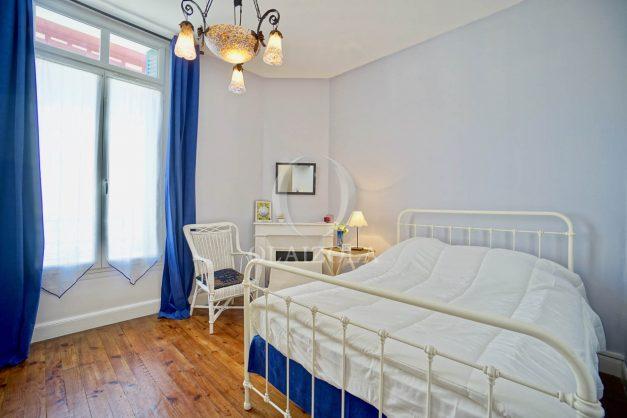 location-vacances-biarritz-appartement-ancien-plein-coeur-de-ville-port-vieux-chapeau-rouge-009