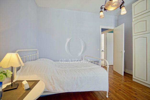 location-vacances-biarritz-appartement-ancien-plein-coeur-de-ville-port-vieux-chapeau-rouge-011