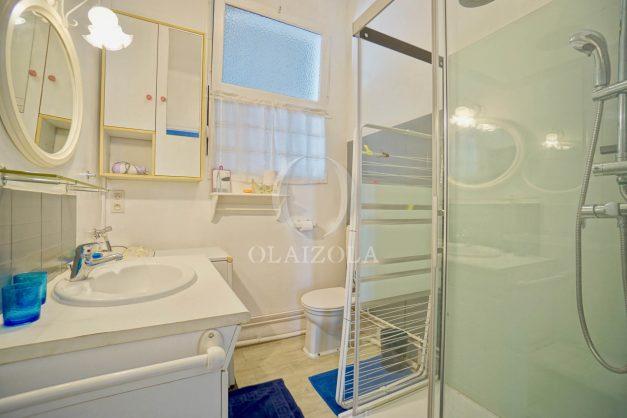 location-vacances-biarritz-appartement-ancien-plein-coeur-de-ville-port-vieux-chapeau-rouge-012
