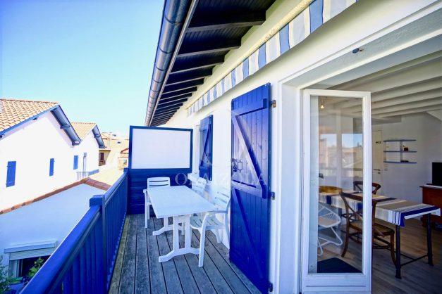 location-vacances-biarritz-appartement-centre-ville-proche-grande-plage-avec-parking-ideal-couple-avec-enfant-002