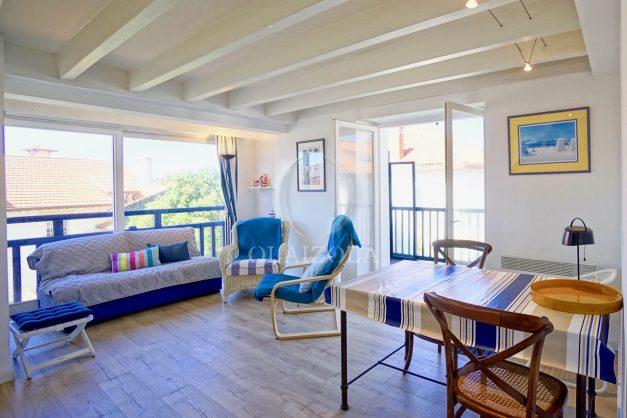 location-vacances-biarritz-appartement-centre-ville-proche-grande-plage-avec-parking-ideal-couple-avec-enfant-003