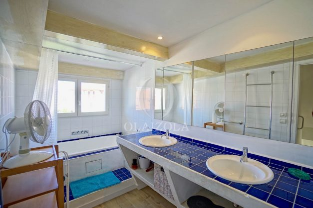 location-vacances-biarritz-appartement-centre-ville-proche-grande-plage-avec-parking-ideal-couple-avec-enfant-013