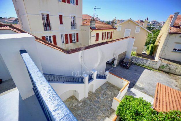location-vacances-biarritz-appartement-centre-ville-proche-grande-plage-avec-parking-ideal-couple-avec-enfant-014