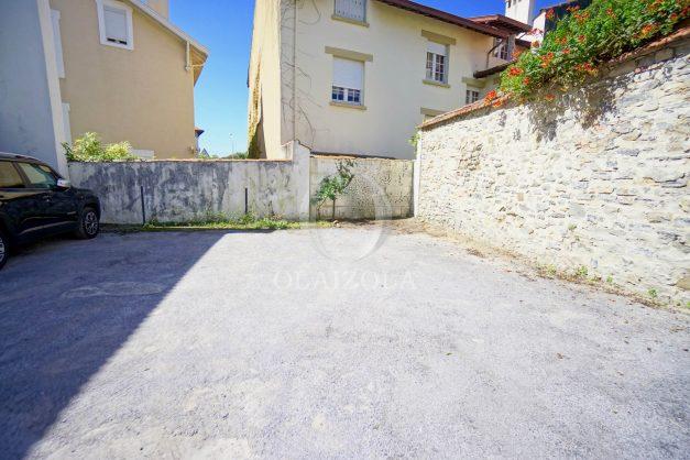 location-vacances-biarritz-appartement-centre-ville-proche-grande-plage-avec-parking-ideal-couple-avec-enfant-016