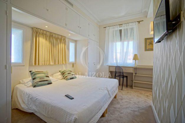 location-vacances-biarritz-plein-coeur-des-halles-vue-mer-terrasse-plage-a-pied-commerces-034