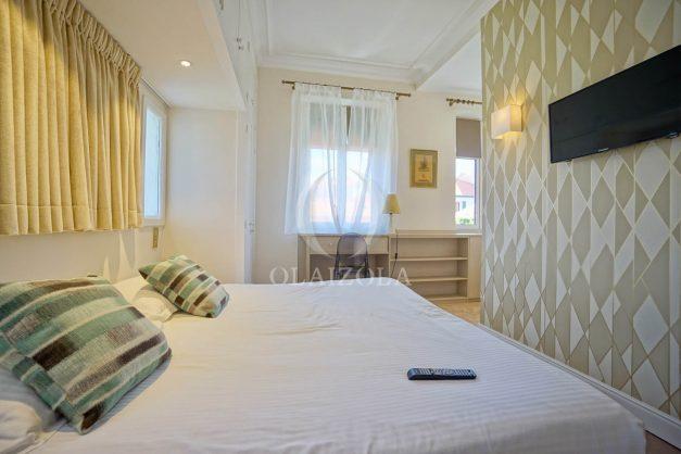 location-vacances-biarritz-plein-coeur-des-halles-vue-mer-terrasse-plage-a-pied-commerces-035