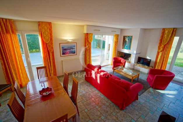 location-vacances-cote-basque-golf-villa-piscine-terrasse-makila-jardin-proche-plages-et-campagne-2021-13