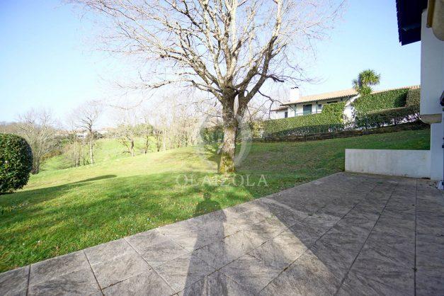 location-vacances-cote-basque-golf-villa-piscine-terrasse-makila-jardin-proche-plages-et-campagne-2021-19