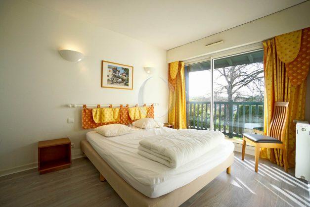 location-vacances-cote-basque-golf-villa-piscine-terrasse-makila-jardin-proche-plages-et-campagne-2021-21