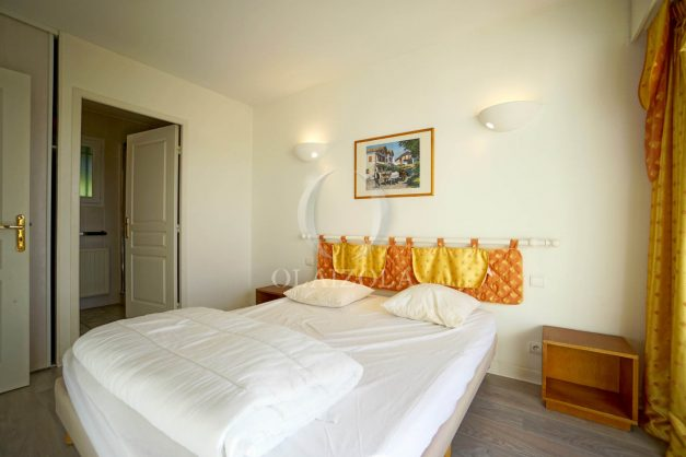 location-vacances-cote-basque-golf-villa-piscine-terrasse-makila-jardin-proche-plages-et-campagne-2021-22