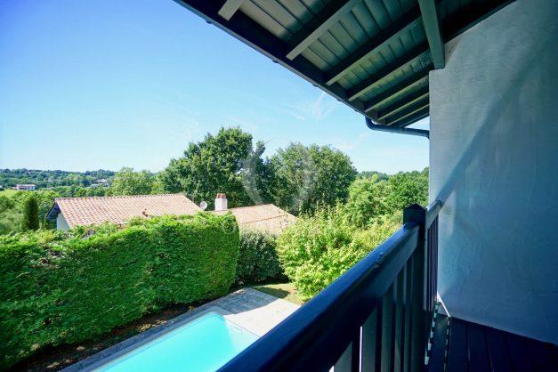 location-vacances-cote-basque-golf-villa-piscine-terrasse-makila-jardin-proche-plages-et-campagne-2021-26
