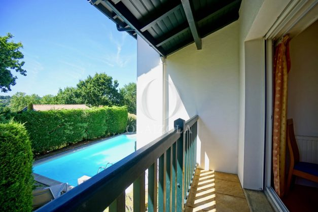 location-vacances-cote-basque-golf-villa-piscine-terrasse-makila-jardin-proche-plages-et-campagne-2021-34