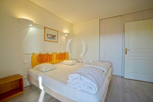 location-vacances-cote-basque-golf-villa-piscine-terrasse-makila-jardin-proche-plages-et-campagne-2021-36