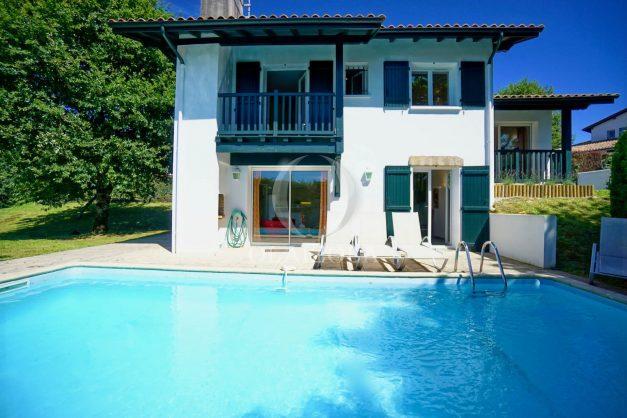 location-vacances-cote-basque-golf-villa-piscine-terrasse-makila-jardin-proche-plages-et-campagne-2021-39