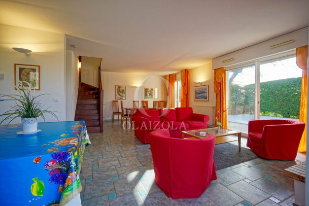 location-vacances-cote-basque-golf-villa-piscine-terrasse-makila-jardin-proche-plages-et-campagne-2021-7