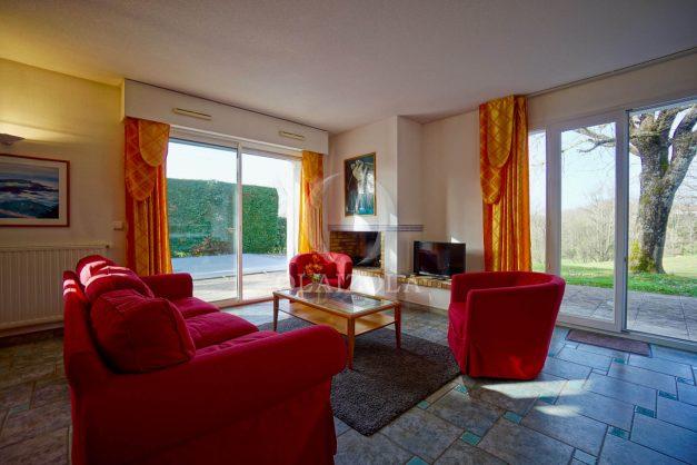 location-vacances-cote-basque-golf-villa-piscine-terrasse-makila-jardin-proche-plages-et-campagne-2021-9