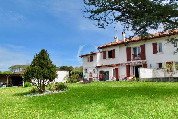 location-vacances-guethary-maison-mitoyenne-avec-jardin-terrasse-plage-a-pied-001