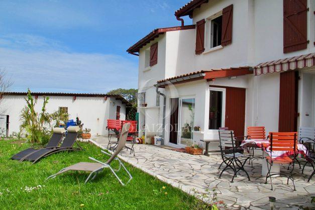 location-vacances-guethary-maison-mitoyenne-avec-jardin-terrasse-plage-a-pied-003