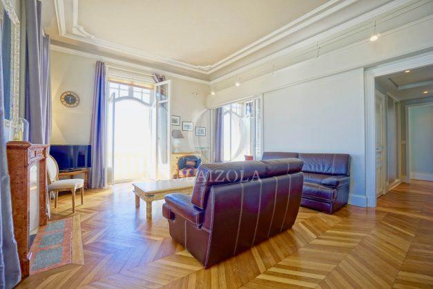 location-vacances-biarritz-appartement-vue-mer-standing-cote-des-basques-parking-terrasse-plein-sud-plage-a-pied-006