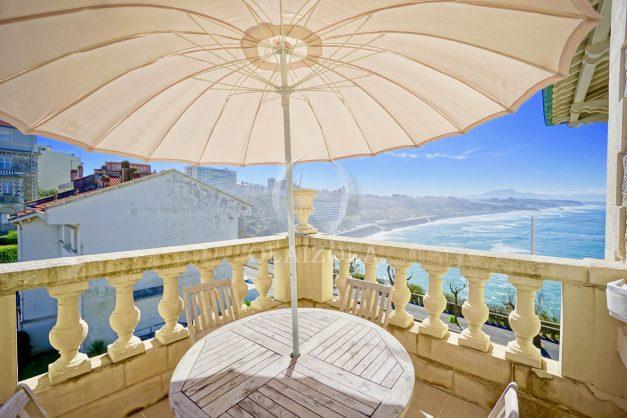 location-vacances-biarritz-appartement-vue-mer-standing-cote-des-basques-parking-terrasse-plein-sud-plage-a-pied-018