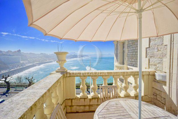 location-vacances-biarritz-appartement-vue-mer-standing-cote-des-basques-parking-terrasse-plein-sud-plage-a-pied-019