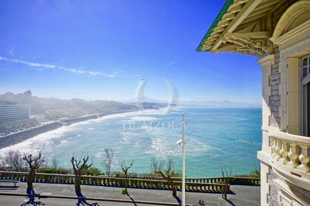 location-vacances-biarritz-appartement-vue-mer-standing-cote-des-basques-parking-terrasse-plein-sud-plage-a-pied-023