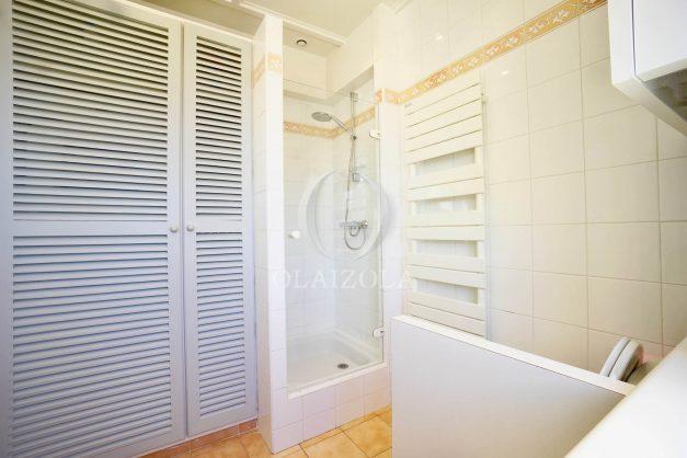 location-vacances-biarritz-appartement-vue-mer-standing-cote-des-basques-parking-terrasse-plein-sud-plage-a-pied-026