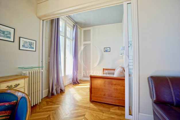 location-vacances-biarritz-appartement-vue-mer-standing-cote-des-basques-parking-terrasse-plein-sud-plage-a-pied-031