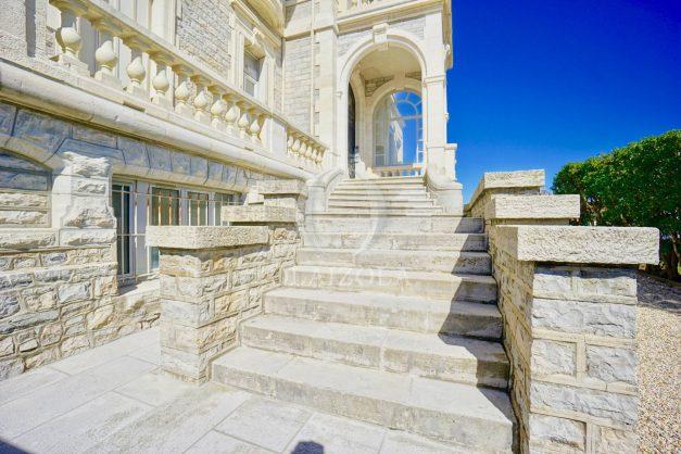 location-vacances-biarritz-appartement-vue-mer-standing-cote-des-basques-parking-terrasse-plein-sud-plage-a-pied-044