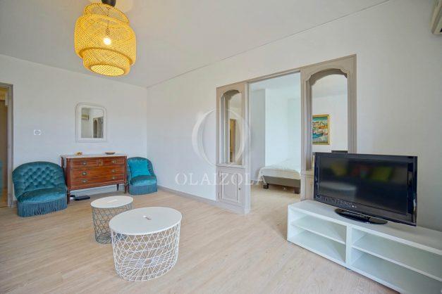 location-vacance-biarritz-t4-centre-ville-renove-balcon-terrasse-plage-a-pied-jardin-public-2019-006