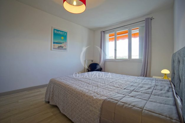 location-vacance-biarritz-t4-centre-ville-renove-balcon-terrasse-plage-a-pied-jardin-public-2019-022