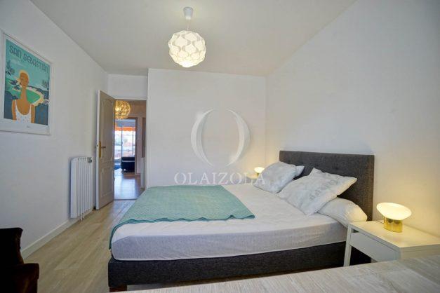 location-vacance-biarritz-t4-centre-ville-renove-balcon-terrasse-plage-a-pied-jardin-public-2019-029