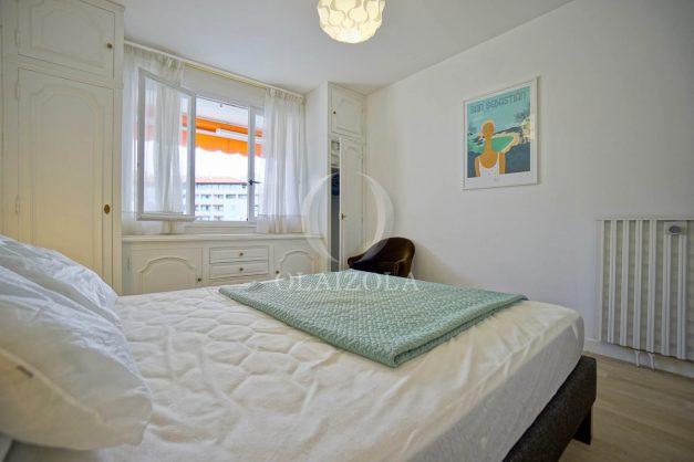 location-vacance-biarritz-t4-centre-ville-renove-balcon-terrasse-plage-a-pied-jardin-public-2019-031