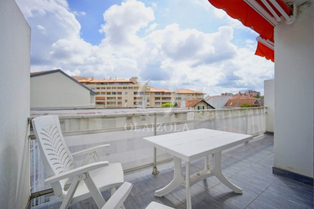 location-vacance-biarritz-t4-centre-ville-renove-balcon-terrasse-plage-a-pied-jardin-public-2019-033
