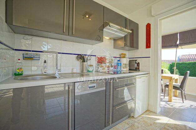 location-vacances-bidart-appartement-rez-de-chaussee-proche-plage-calme-jardin-terrasse-pergola-parking-plein-sud-proche-centre-village-021